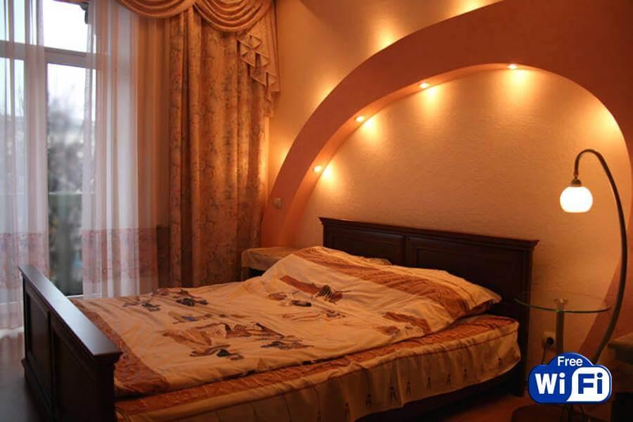 2к квартира-студио посуточно Днепропетровск центр
